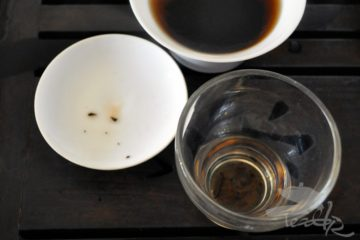 Brewing Ripe Puér in Gaiwan